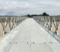 下承式钢便桥展示